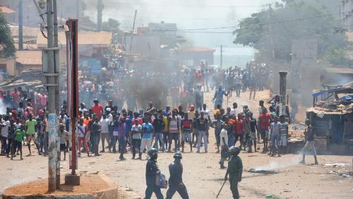 Gambie: La police tire à balles réelles sur des manifestants et fait 03 Morts et plusieurs blessés. Barrow demande l'ouverture d'une enquête