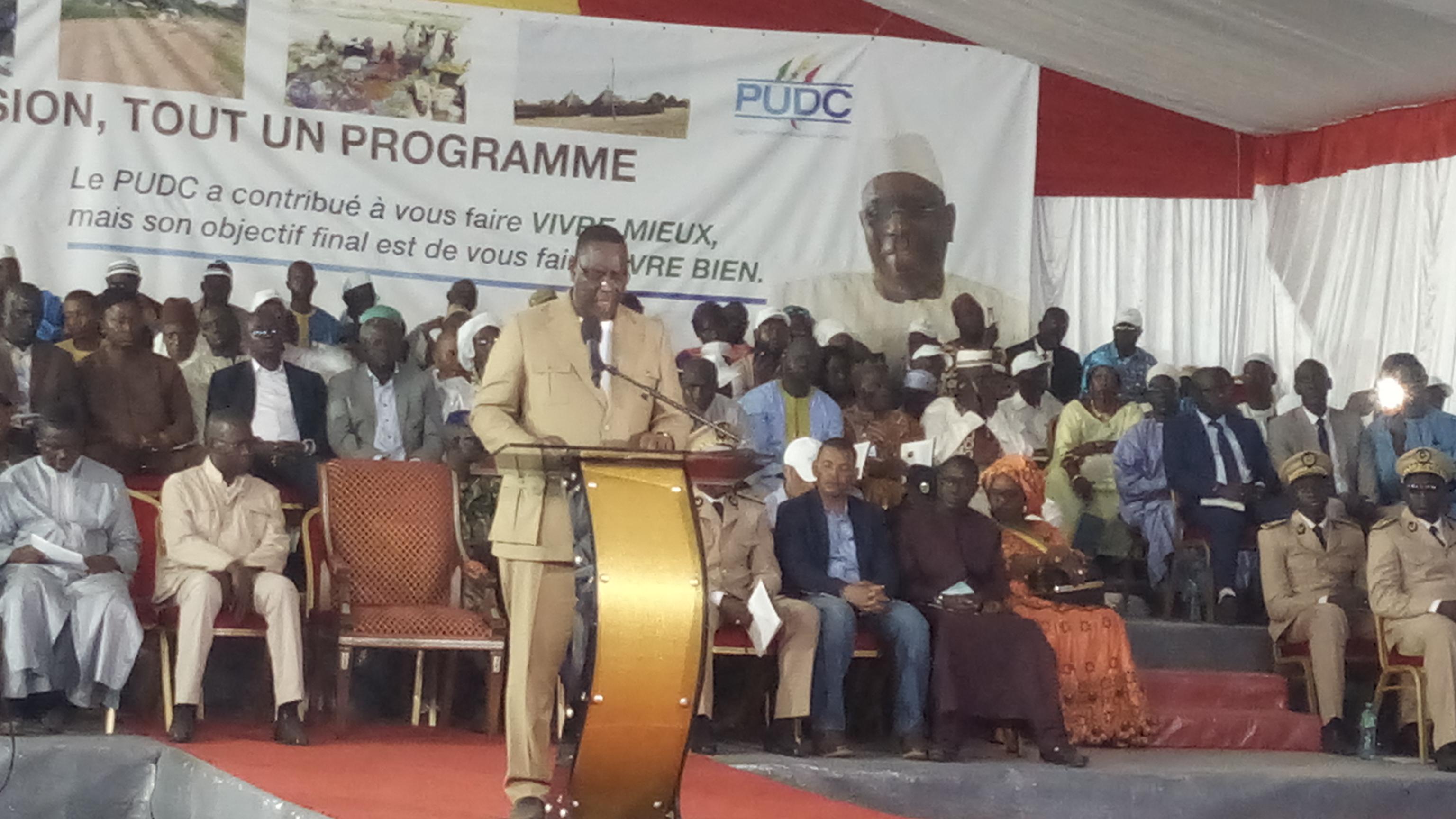 Ziguinchor: Macky Sall met 2 milliards pour la construction du marché Tilène