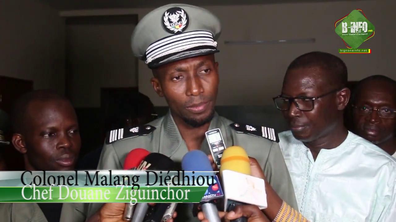 Le colonel Malang Diédhiou installé à la tête de la douane de Ziguinchor (Vidéo)