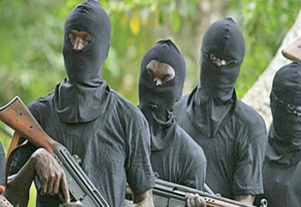 Ziguinchor: Une boutique cambriolée par quatre hommes armés et vêtus en uniformes