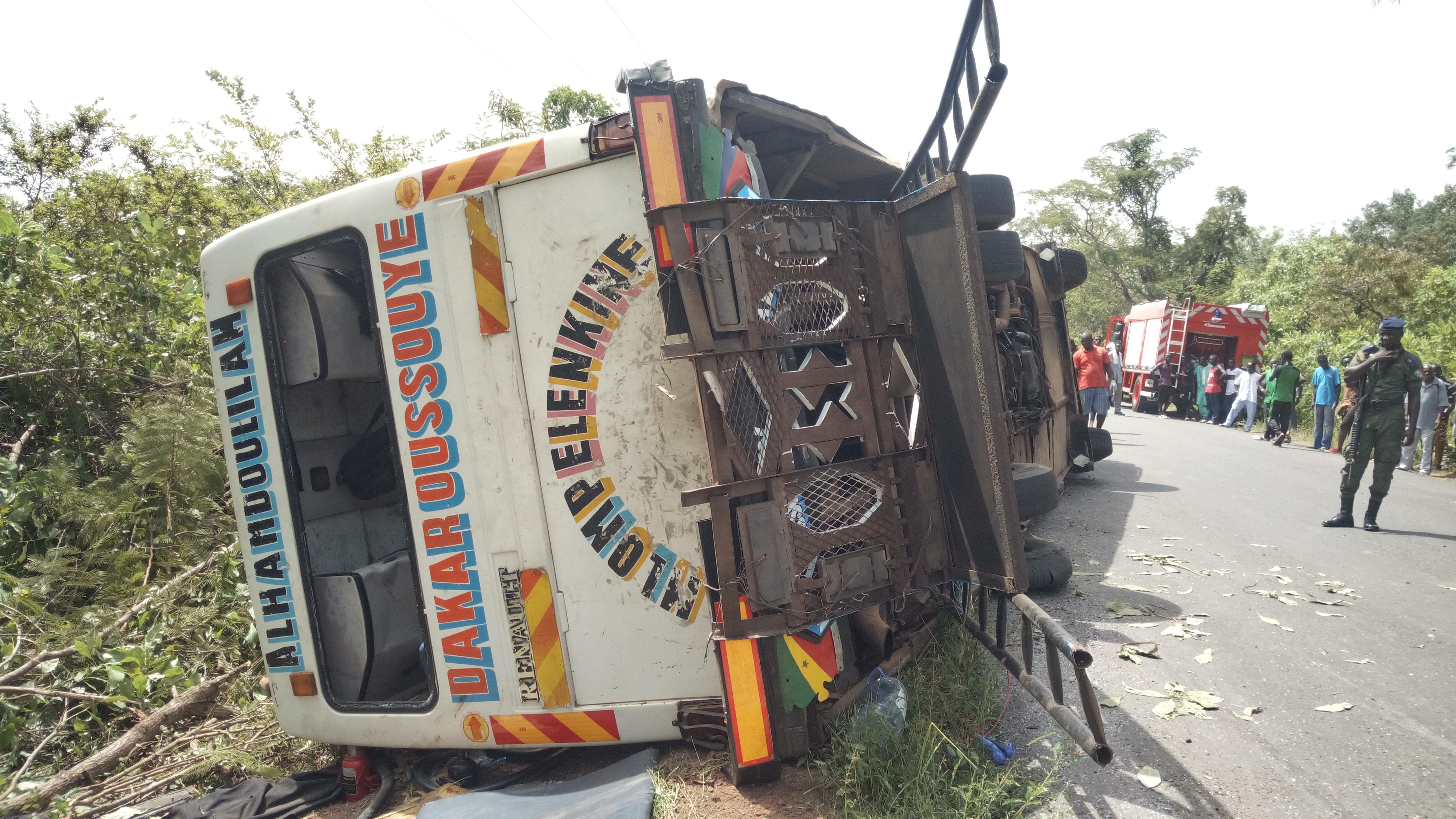 Bignona: Un bus se renverse et fait 03 morts et plusieurs blessés