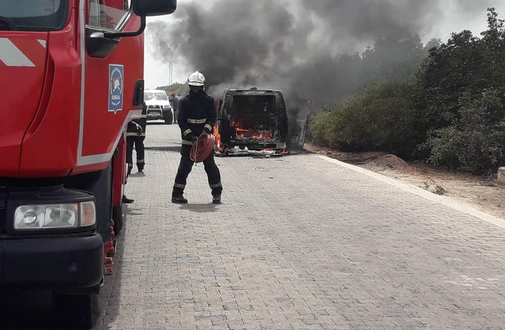 Badiana: L'ambulance du poste de santé prend feu entre Tobor et Ziguinchor (images)