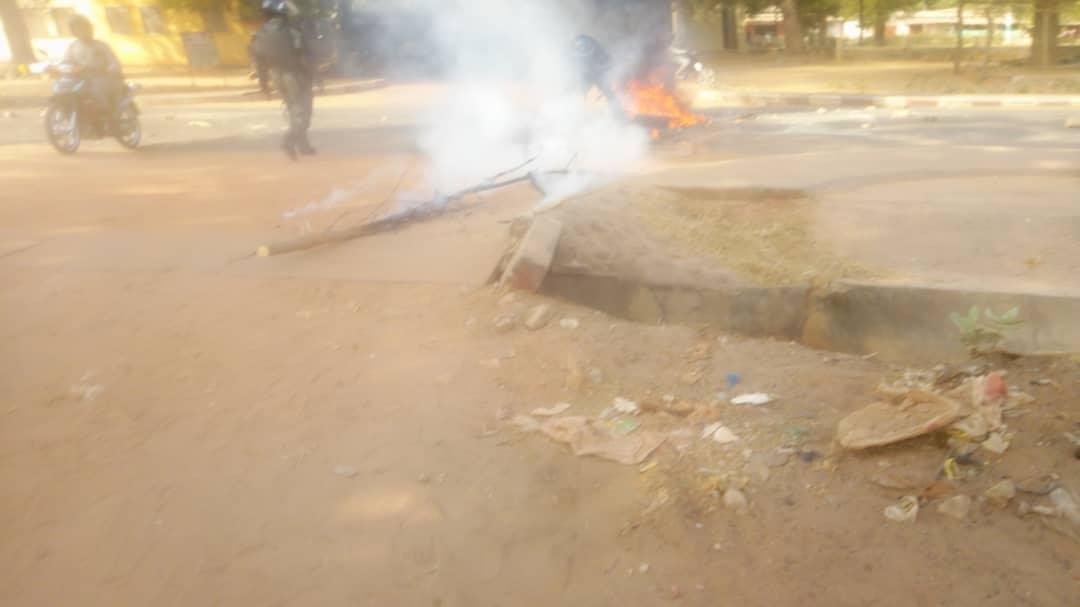 BIGNONA: Les partisans de Sonko mettent le feu dans la ville (Photos)