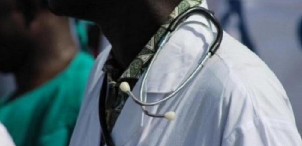 Des médecins lancent une pétition pour réclamer la tête de Diouf Sarr