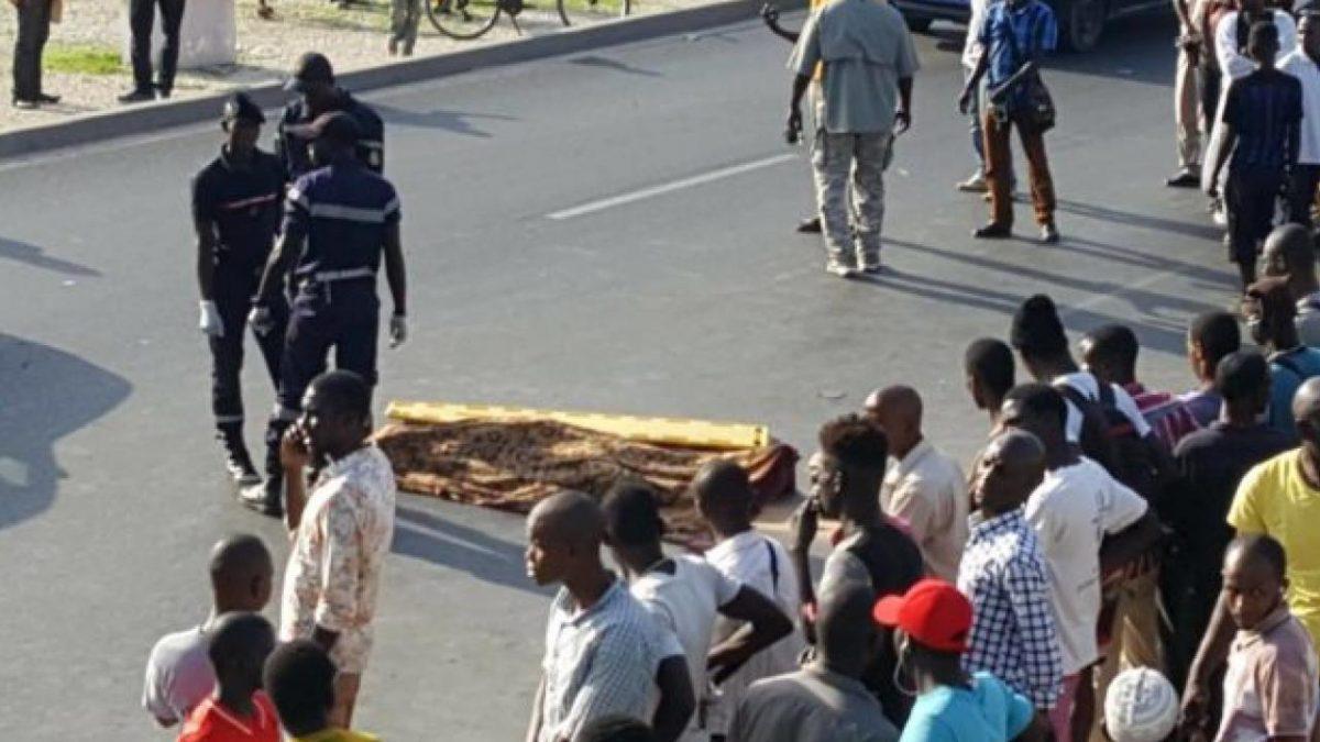 Violent Accident sur l'Autoroute Ila Touba: Un Passager mortellement heurté