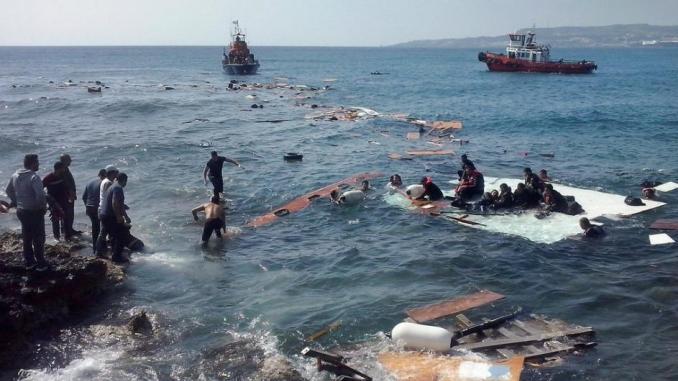 Deux naufrages sur la route des Canaries en moins de 48 heures: Au moins 42 personnes décédées